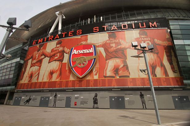 800px-Arsenal_Stadium_-_The_Emirates_3